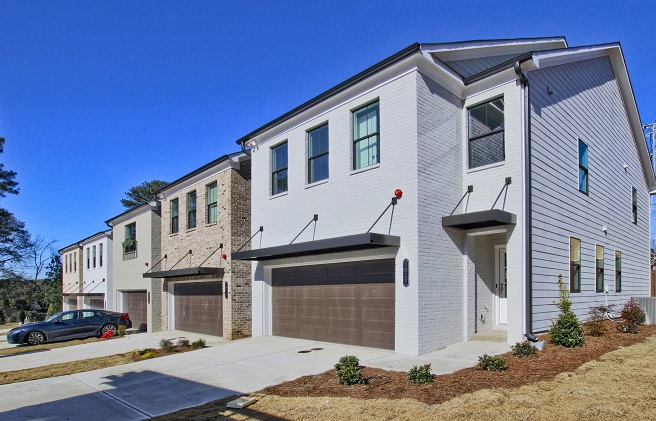 Woodland Parc townhomes in Smyrna
