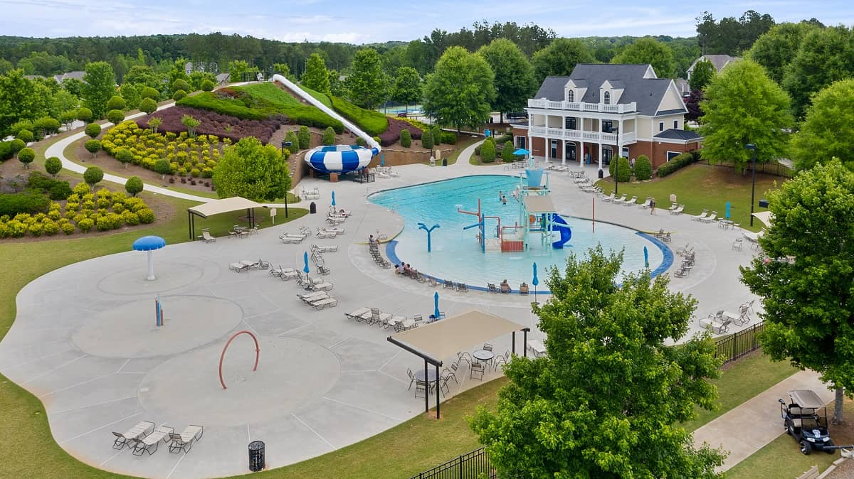 The Georgian Resort Style Pool